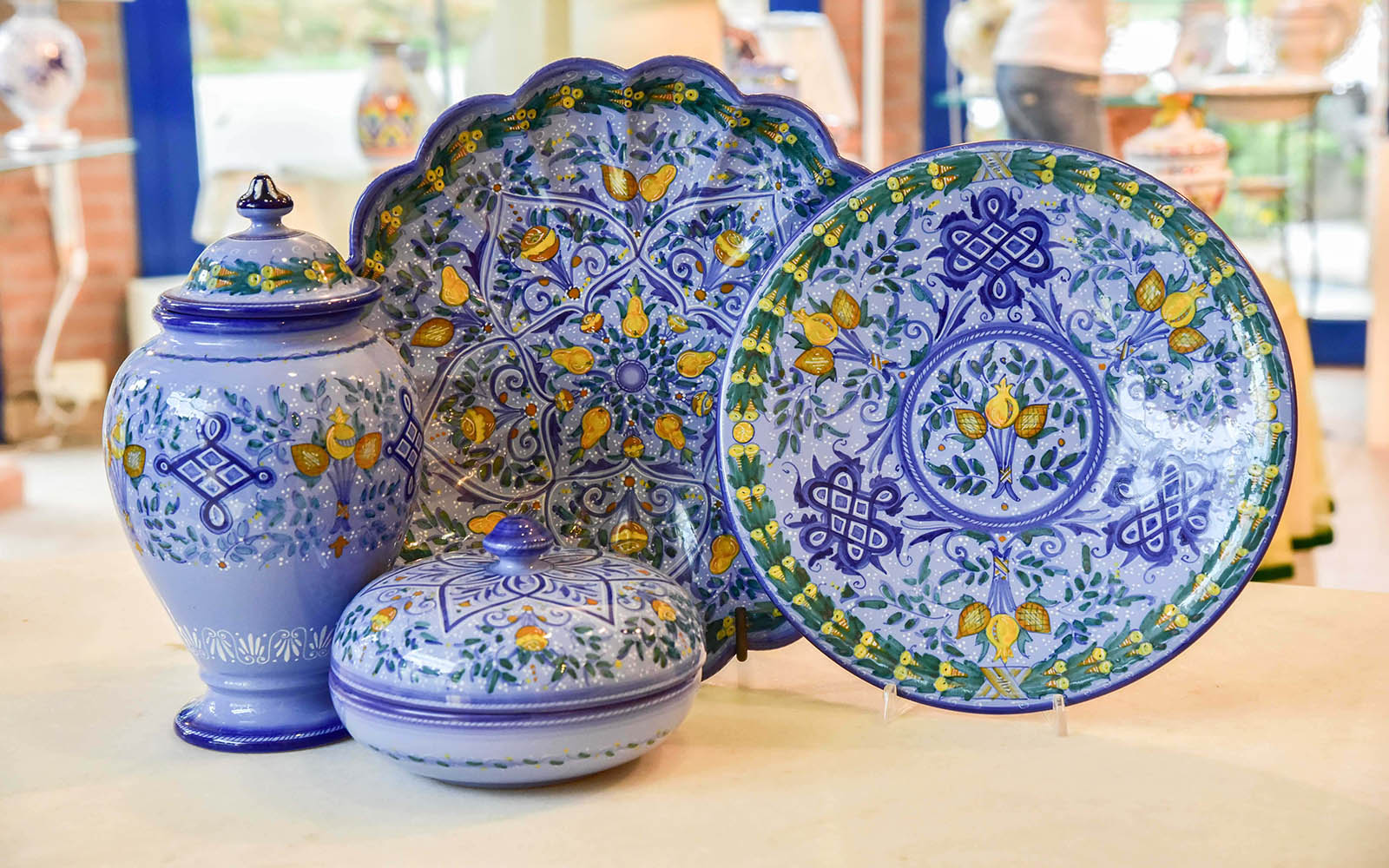 Ceramica maiolica: Berettino
