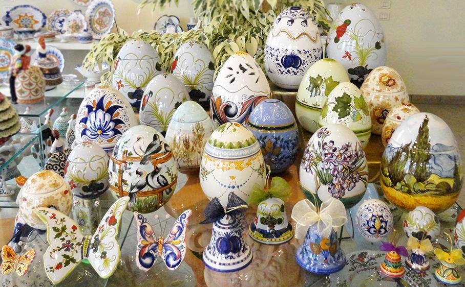 Uova Di Ceramica Dipinte A Mano.Collezione Di Pasqua Ceramiche Di Faenza