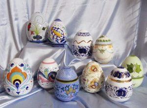 Uova Di Ceramica Dipinte A Mano.Uova Di Pasqua Dipinte A Mano