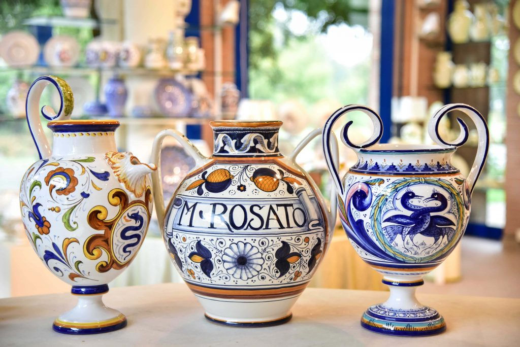 Vasi da farmacia in maiolica for Vasi ceramica ikea