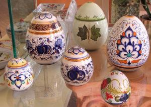Uova di pasqua ceramica Faenza maiolica dipinte a mano