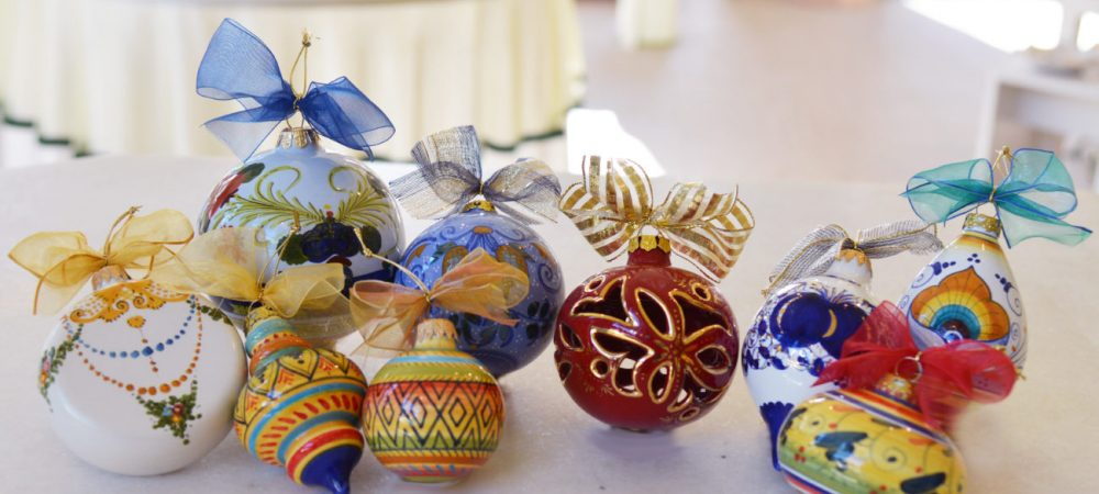 Collezione di Palline di Natale in ceramica dipinte a mano