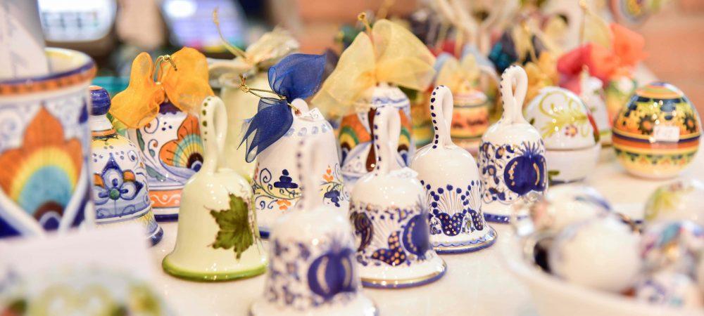 Idee regalo Natale ceramica Faenza campanelle